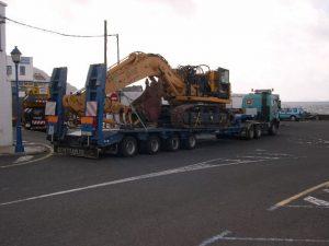 Transporte de maquina excavadora